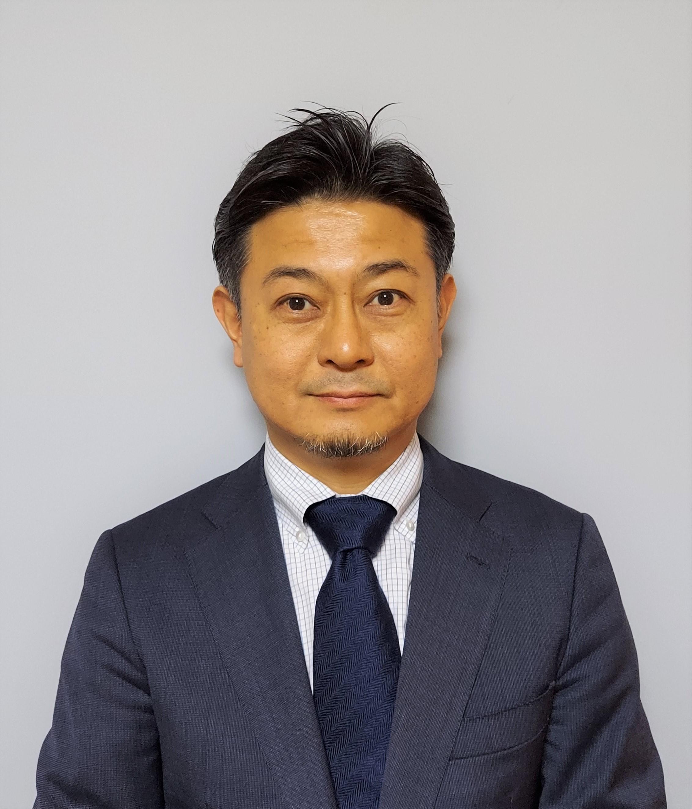 Kazunari TOMITA